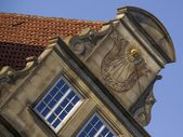 Gable with sun clock in Hanseatic city Bremen — Stock Photo