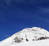 冬の山々 やスキー場 — ストック写真