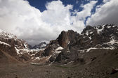 Mountains and sky with clouds — Stock Photo