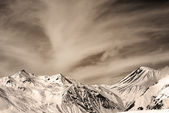 Sepia mountains in windy day — Стоковое фото