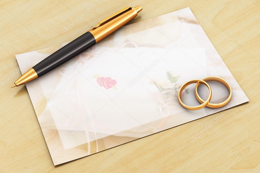 創造的な抽象的な結婚式のお祝いと愛の概念 木製のテーブルのカードの 2 つの光沢のある黄金結婚指輪、ゴールド ボールペン、招待の挨拶空白の空の白 \u2013 ストック画像