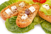 Rusks with vegetables — 图库照片