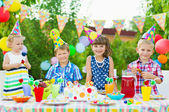 Outdoor birthday party for toddlers — Stock Photo