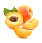 Ripe apricots with slices — Stock Photo