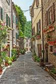 Narrow old street — Stock Photo