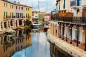 Street canals in Port Grimaud — Stok fotoğraf