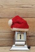 Old calendar and cap of Santa Claus — Stockfoto