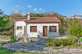 Little white house in Provence — Stock Photo