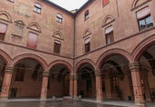 Medieval architecture in Bologna — Stock Photo