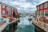 Street canals in Port Grimaud — Stockfoto