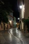 Narrow old street at night in Saint-Tropez, France. — Stock Photo