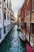 Canal en venecia — Foto de Stock