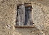 在老房子里的窗口 — 图库照片
