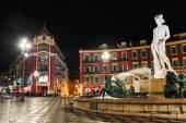 Fontaine du Soleil in the square Massena — Stock Photo