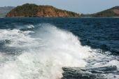 Boat trace in the sea — Stock Photo