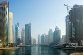 Moderne Gebäude in Dubai marina — Stockfoto
