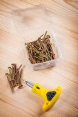 Screws and screwdriver — Stock Photo