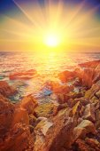 Beautiful sunrise on sea — Stock Photo