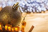 单圣诞球 — 图库照片