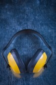 Noise insulation ear muffs — Stock Photo