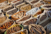 Spices are sold on the open east market. India, Pushkar — Stock Photo