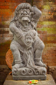 Vintage statue of the deity child-eating Rangda. Indonesia, Bali — Stock Photo