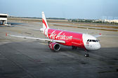 BANGKOK, THAILAND - CIRCA JAN 2014: Airliner Air-Asia Airbus A32 — Stock Photo
