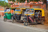 AGRA, INDIA - CIRCA NOV 2012: Three, colorfully painted, motoriz — Stock Photo