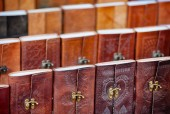 Leather-bound Souvenir Notebooks for Sale in Udaipur, India — Stock Photo