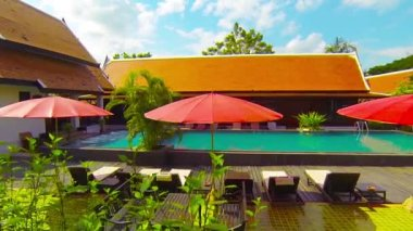 Pool and Deck at the Legendha Sukhothai Resort in Thailand — Stock Video