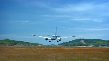 Twin-engine. Jet Airliner Lands Safely at Phuket International Airport in Thailand — Stock Video