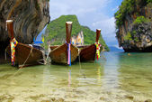 Tropical beach, longtail boats — Stock Photo