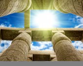 Columns covered in hieroglyphics — Stock Photo