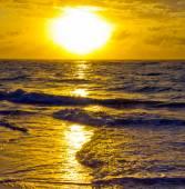 Sunset above the sea — Stock Photo