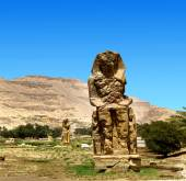 Gigantic statues in Luxor Egypt — Stock Photo