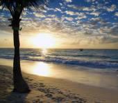 Sunset above the sea — Stockfoto