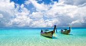 Plaża i tropikalne morze — Zdjęcie stockowe
