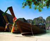 Tail boats  in Maya Bay — Foto Stock
