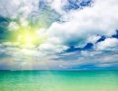 Blue sea and blue sky — Stock Photo