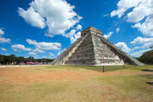Kukulkan Pyramid in Mexico — Stock Photo