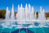 Blue Mosque and fountains in  Istanbul — Stock Photo