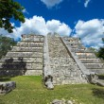 Kukulkan Pyramid in Chichen Itza Site — Stock Photo #71432673