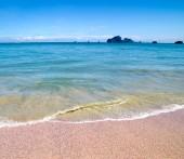 Słabe niebieski i morze — Zdjęcie stockowe