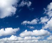 Blauwe hemel achtergrond — Stockfoto