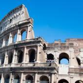 Hörnet av Dogepalatset på San Marco square och bell tower av Sa — Stockfoto