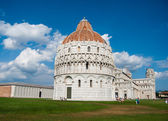 28 AUGUST 2014 - PISA: the leaning tower (Campanile) at the Piaz — Stockfoto