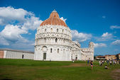 28 AUGUST 2014 - PISA: the leaning tower (Campanile) at the Piaz — Stock fotografie