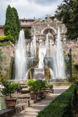 Great fountain and garden at the villa of cardinal Ippolito dEs — Stock Photo