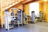 Gym med sportutrustning — Stockfoto