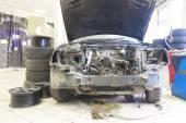 Car is prepared for repair — Foto Stock